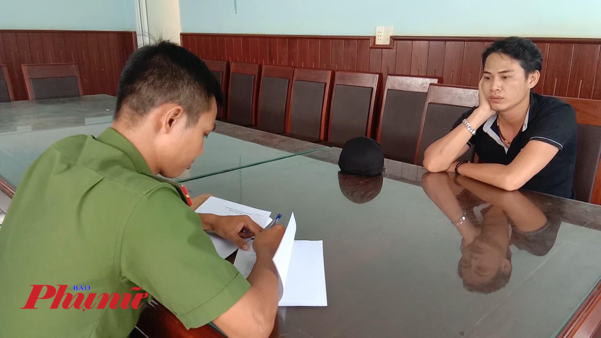 Đối tượng Lê Quang Long tai cơ quan điều tra