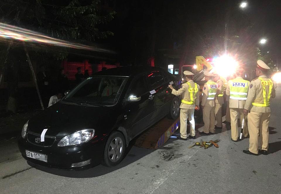 Chiếc xe ô tô của ông M. bị tạm giữ do không chấp hành việc đo nồng độ cồn
