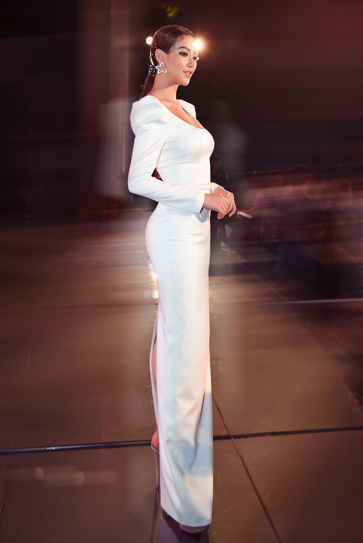 Sau khi trao lại vương miện cho Tân Hoa hậu Trái Đất 2019, người đẹp gốc Bến Tre ghi dấu ấn khi liên tục được mời làm giám khảo các cuộc thi sắc đẹp quốc tế, gương mặt đại diện của nhiều nhãn hàng và tích cực tham gia các dự án từ thiện vì cộng đồng.