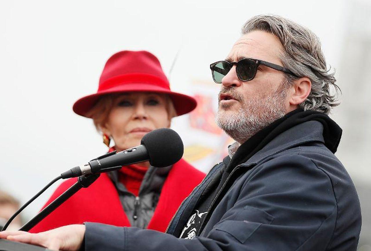 Joaquin Phoenix chia sẻ ý kiến trong cuộc biểu tình