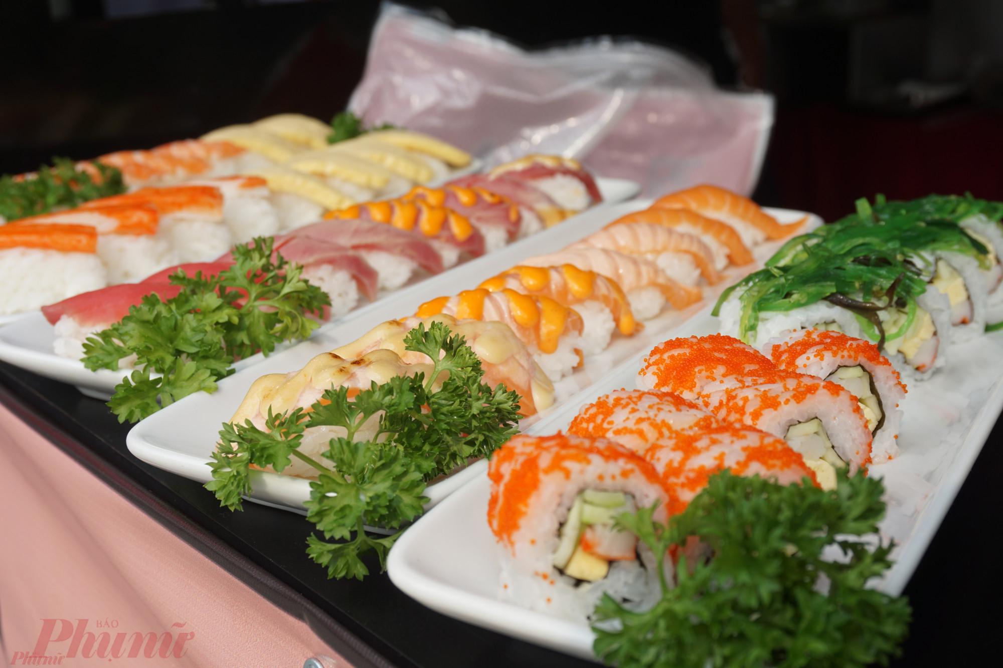 Những miếng sushi cắt lát mỏng, tươi ngon khá hấp dẫn.