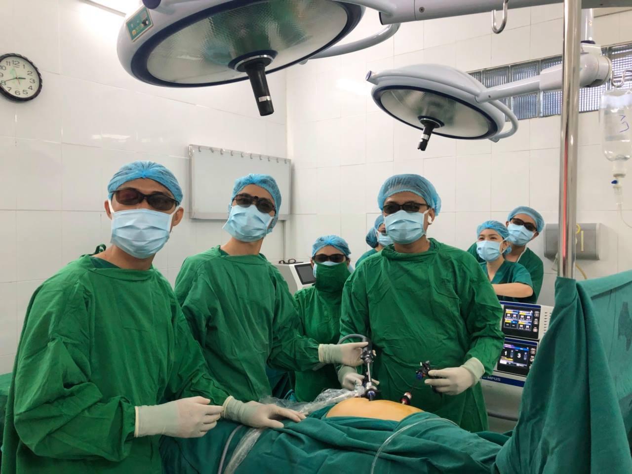 Một ca mổ nội soi tại Bệnh viện Quận Thủ Đức