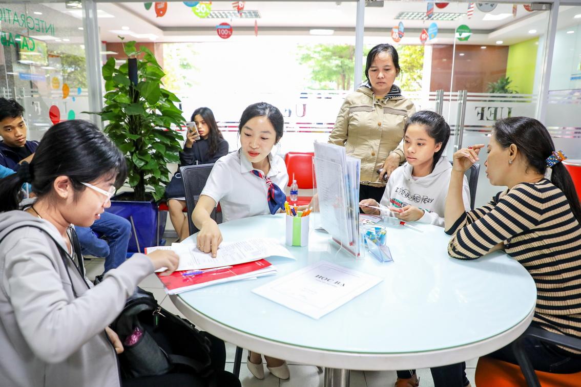 Nhiều sinh viên chọn học trường đại học tư vì tính thực tiễn của chương trình đào tạo - Ảnh: Thanh Thanh