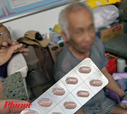 Một loại thuốc biệt dược gốc được kê cho bệnh nhân tại BV Ung  Bướu TP.HCM trong năm 2019. Những loại thuốc biệt dược gốc sẽ bị siết lại khi kê cho bệnh nhân ung thư trong năm 2020 vì sợ vượt dự toán chi bảo hiểm y tế. Ảnh: Hiếu Nguyễn