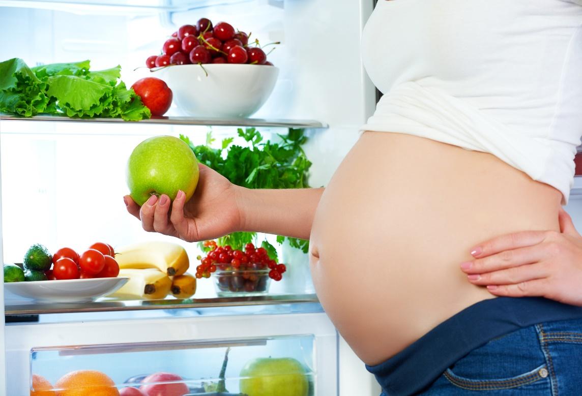 Chế độ dinh dưỡng phù hợp sẽ kích thích não bộ trẻ phát triển ngay từ khi còn trong bụng mẹ