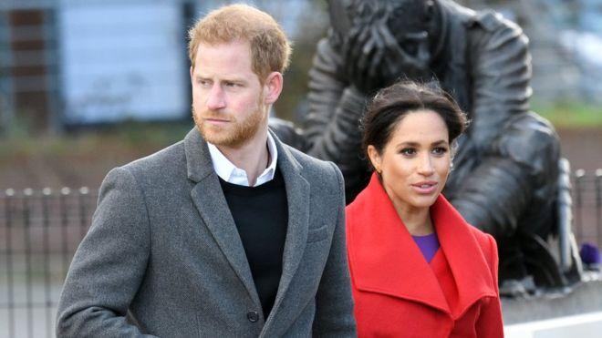 Hoàng tử Harry và Meghan sẽ không còn sử dụng danh xưng HRH và sẽ không nhận công quỹ dành cho các hoạt động hoàng gia - Ảnh: KARWAI TANG