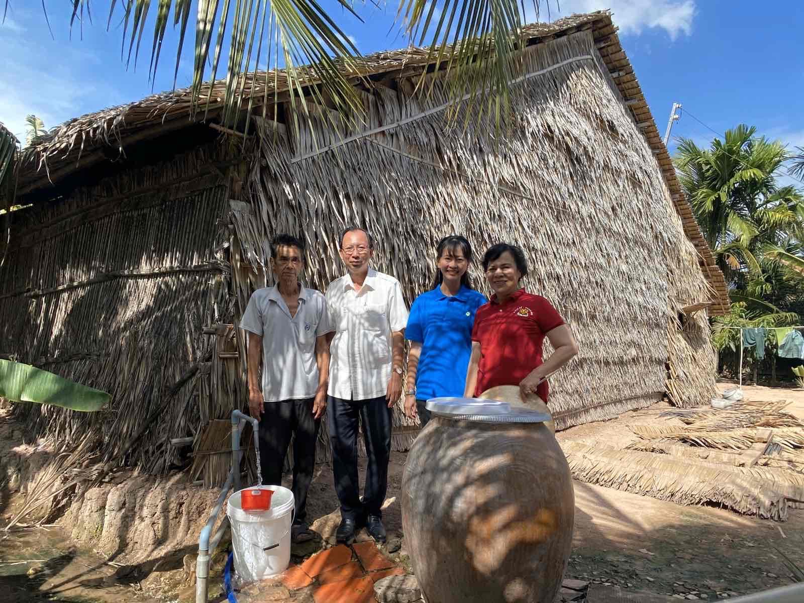 Lễ trao tặng 200 giếng nước sinh hoạt đến các hộ dân huyện Cù Lao Dung. Ảnh do Công ty Novaland cung cấp