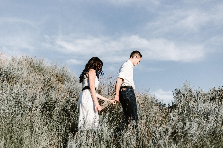 Năm trước ba còn sống nên vợ chồng Xuân dắt nhau về tết. Ảnh minh hoạ