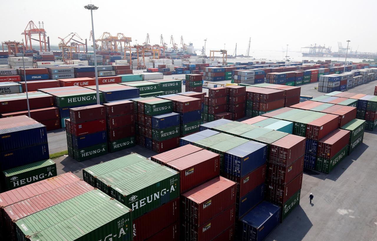 Ngay sau khi EVFTA có hiệu lực và trong lộ trình 10 năm tiếp theo, Việt Nam và EU sẽ xóa bỏ hàng rào thuế quan đối với hàng hóa của nhau, mở rộng cơ hội giao thương cho cả hai phía