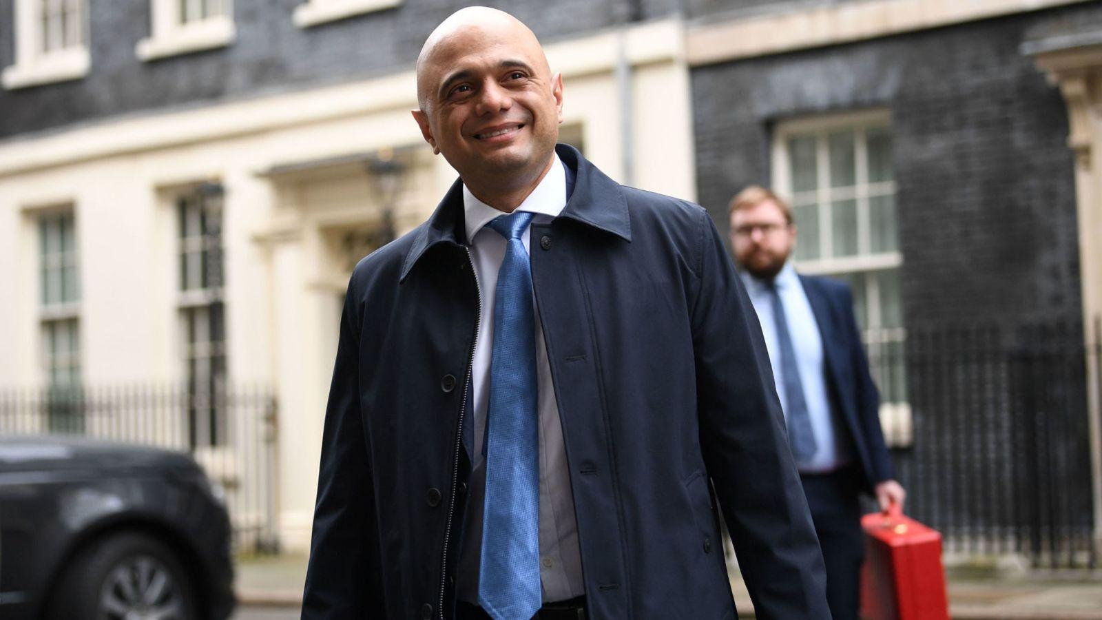 Bộ trưởng Tài chính Vương quốc Anh - Sajid Javid - khuyên các doanh nghiệp nên chuẩn bị thích nghi với các chính sách, tiêu chuẩn thương mại mới.