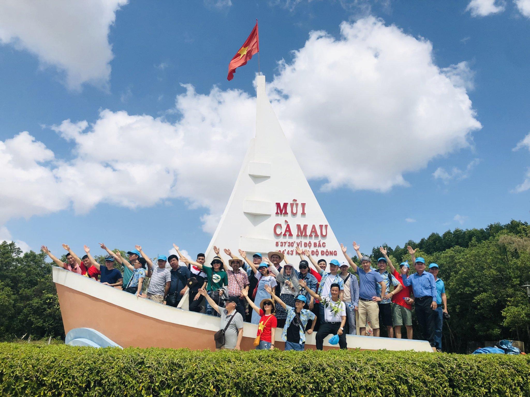 Tour đưa khách đi tham quan Đất Mũi, Cà Mau cũng khá thu hút vào dịp tết.
