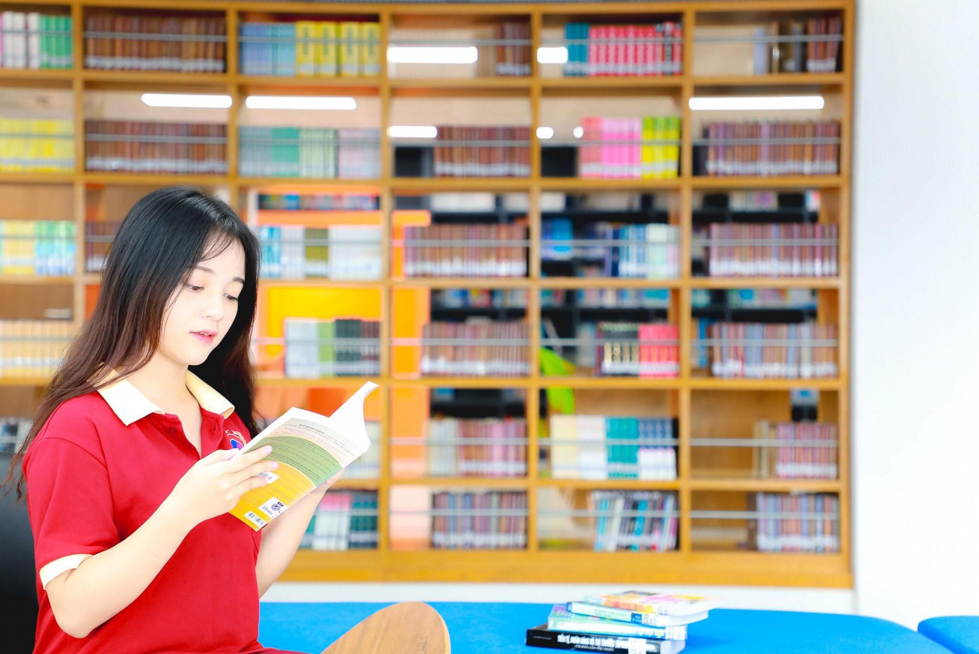 Trẻ trung, năng động, tiện ích...là ưu điểm của thư viện này