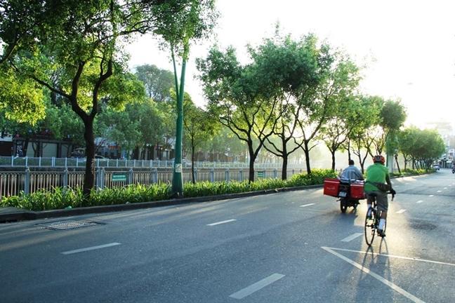 Sài Gòn thật lạ khi vắng người