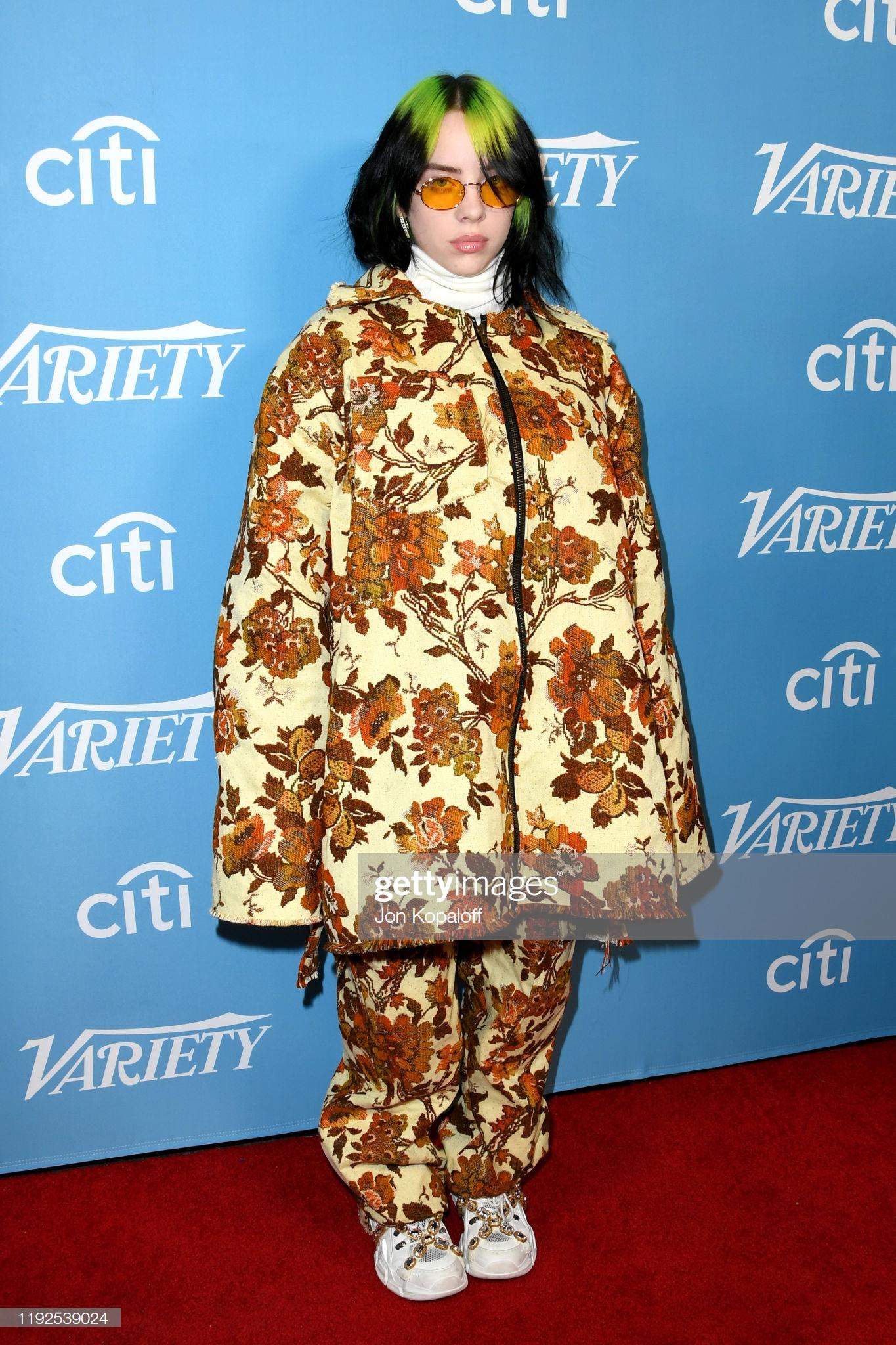 Nếu cho trang phục của Billie Eilish là đẹp thì khái niệm này chưa hẳn đúng, nhưng nếu nhắc đến nữ ca sĩ trẻ có gu ăn mặc cá tính, ấn tượng thì không thể không nhắc Billie Eilish.