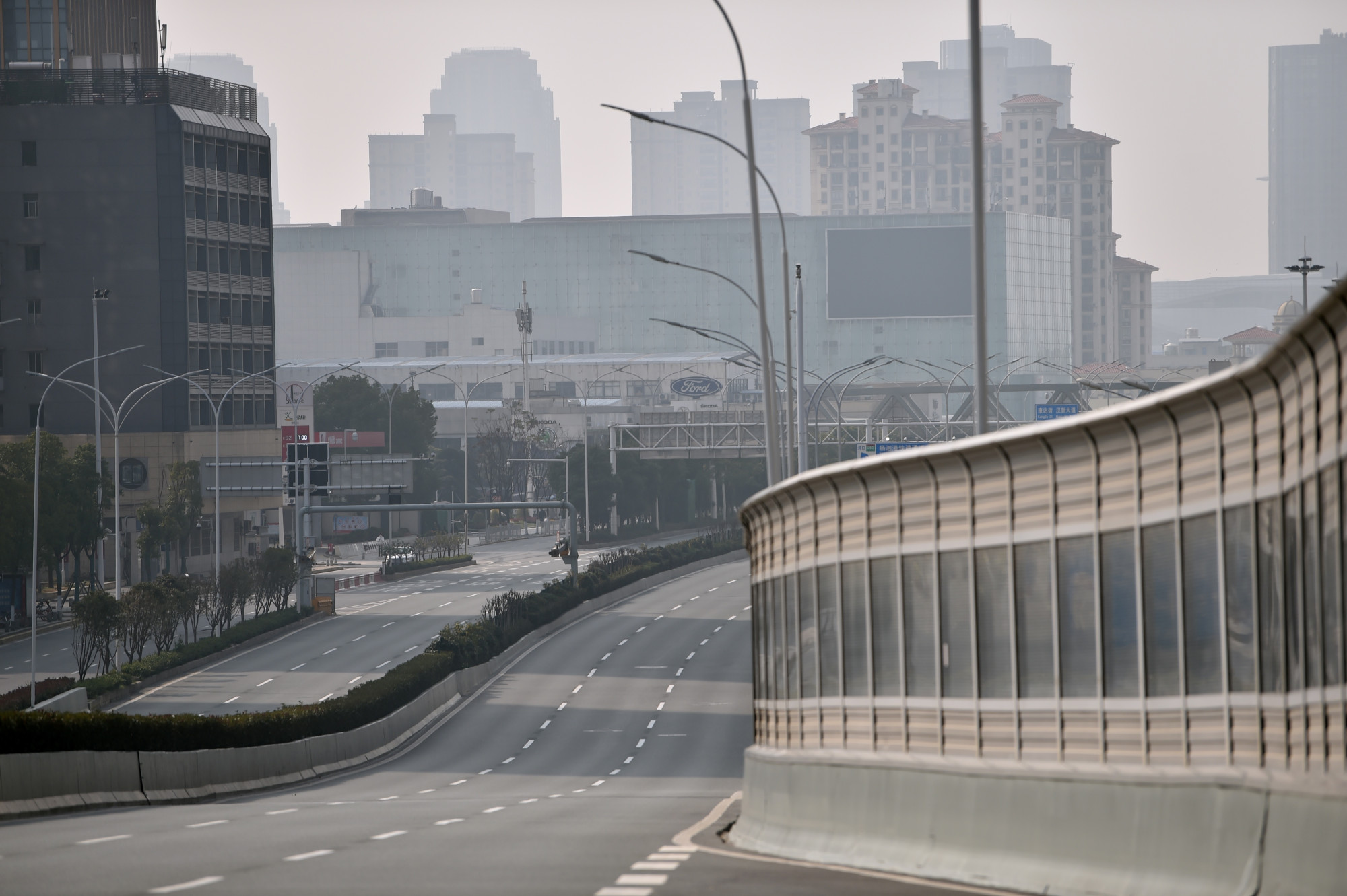 Đường phố Vũ Hán vắng tênh vào ngày 29/1 khi thành phố bị phong tỏa.