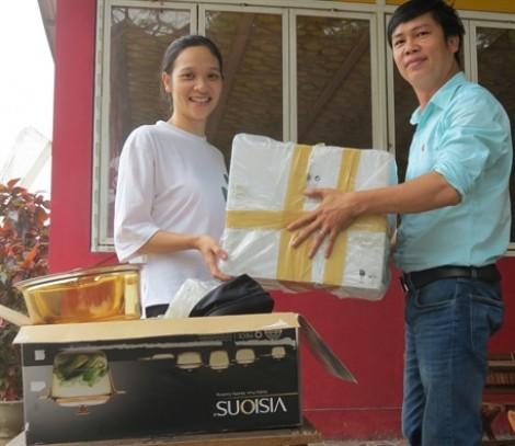 Báo Phụ Nữ TP.HCM  trao giải nhất cho bạn đọc Nguyễn Thùy Linh