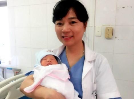 Một bà mẹ ở Hà Nam sinh được con, nhờ đông lạnh trứng bằng phương pháp mới
