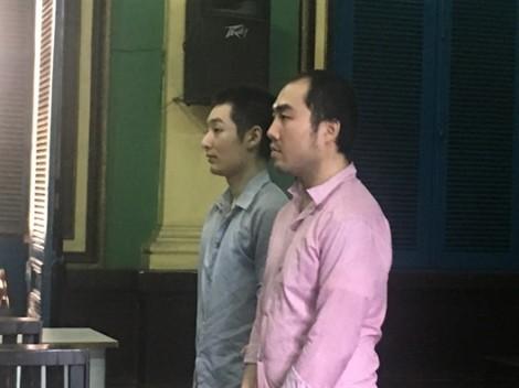 Hai người Trung Quốc dùng súng giả cướp ôtô của đại gia Sài Gòn