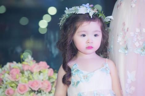 Con gái Elly Trần làm 'vơ đét' sô diễn thời trang