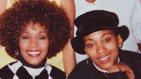 Whitney Houston thật sự có tình yêu đồng tính suốt 40 năm