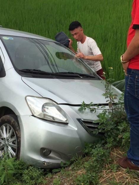 Diễn viên Hiệp Gà đâm xe xuống ruộng ở Quảng Ninh