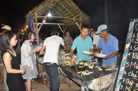 Du lịch lễ 30/4: Gọi bốn món ăn, được phục vụ một món rồi gác đũa hơn một tiếng vẫn chưa có món mới