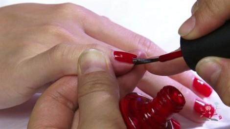 Sơn móng tay đe dọa sức khỏe như thế nào?