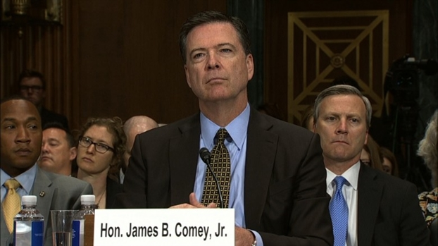 Giam doc FBI co 'quyet dinh dung' trong viec ba Clinton that cu?