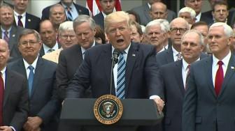 Chiến thắng lập pháp đầu tiên của Tổng thống Trump
