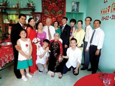 Cụ bà 92 tuổi là vẫn là điểm tựa êm ái cho con cháu