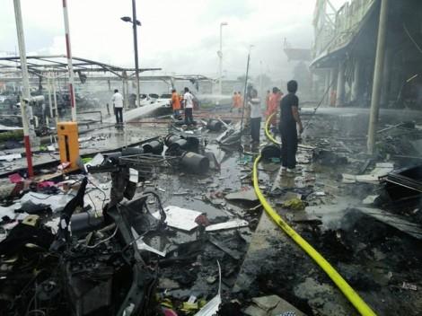 Thái Lan rung chuyển vì đánh bom kép ở siêu thị Big C