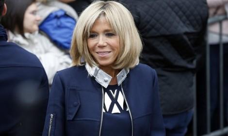 Thông điệp chính trị từ chiếc áo Louis Vuitton của Đệ nhất phu nhân Pháp