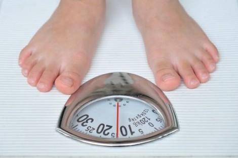 Làm sao để hạn chế tăng cân khi dùng thuốc tránh thai?