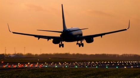 Mỹ: Một gia đình bị đuổi khỏi máy bay vì … chiếc bánh sinh nhật!