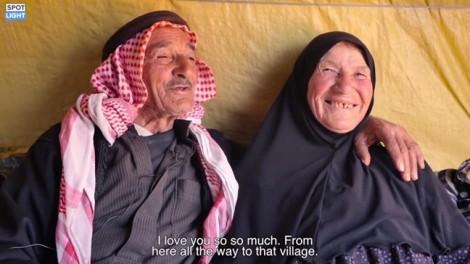 Lưu lạc vì chiến tranh, cặp vợ chồng già Syria vẫn may mắn bên nhau