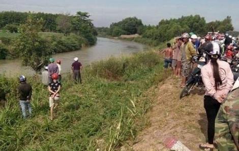 Phát hiện thi thể bé gái sơ sinh còn dây rốn bị vứt dưới sông