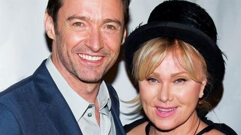 Hugh Jackman bị vợ cấm đóng phim với Angelina Jolie vì sợ 'lửa gần rơm'