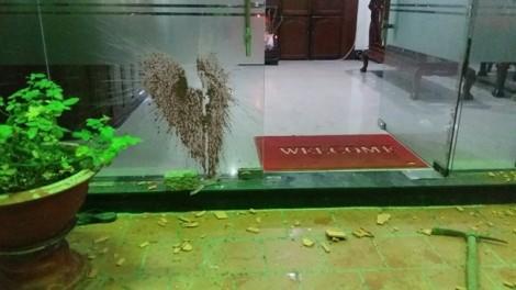Chủ khách sạn ở Sài Gòn bị giang hồ dọa giết cả nhà vì món nợ 'trên trời rơi xuống'