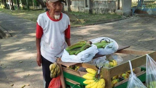 Chuyen co tich ve ong gia ban chuoi o Indonesia
