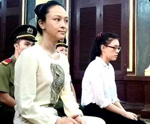 Hoa hau Phuong Nga bat ngo tu choi luat su o phut chot
