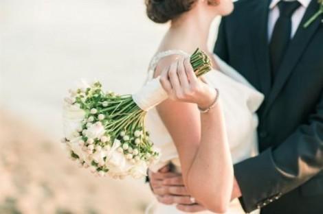 Ôi các cô gái, xin đừng xem hôn nhân như canh bạc rủi may!