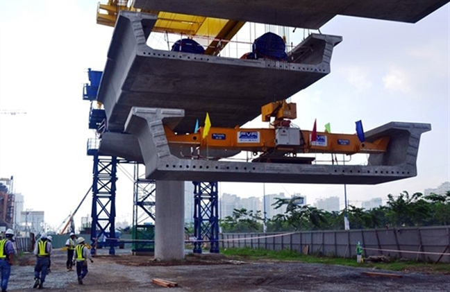 Lo tuyen metro so 1 ngung thi cong, TP.HCM 'keu kho' voi Thu tuong
