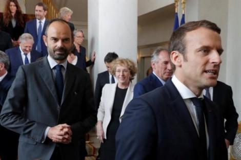 Tổng thống Pháp được lòng 'cả trong nước lẫn quốc tế'