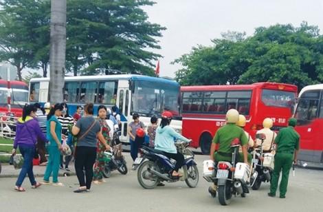 Trần ai những chuyến xe đưa rước công nhân: Bí ẩn xe 'ma'