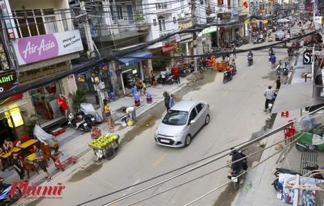 Công nhân gấp rút thi công phố đi bộ Bùi Viện trước ngày khai trương