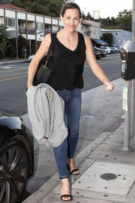 Jennifer Garner đến nơi Ben Affleck hẹn hò với người mới