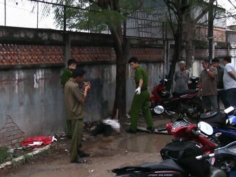 Nam thanh niên ăn mặc sang trọng gục chết sau bến xe An Sương