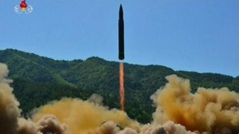 Hàn Quốc đề xuất đàm phán quân sự xoa dịu căng thẳng với Triều Tiên