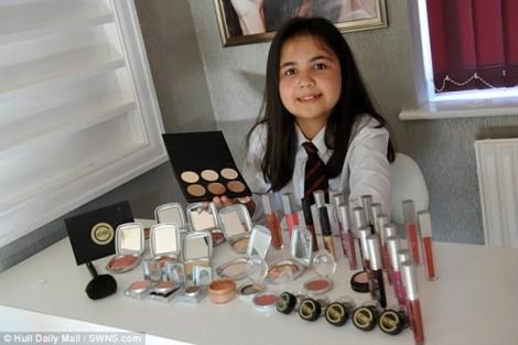 Bé gái 12 tuổi kiếm nghìn đô nhờ nhãn hàng mỹ phẩm riêng