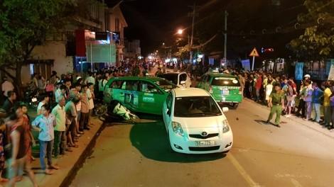 Vụ ôtô 'điên' tông 12 xe ở Sài Gòn: Nhóm bạn thân thương tiếc thiếu niên tử vong bất ngờ